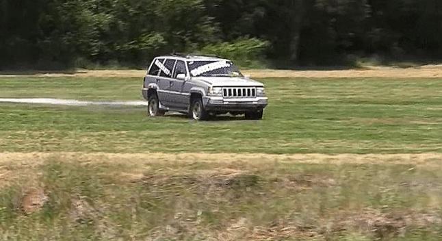 Jeep Grand Cherokee-ის ბრძოლა ხესთან, დრამატული შედეგით