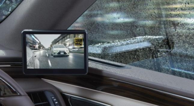 Lexus-ი ჩვეულებრივი გვერდითი სარკეების ნაცვლად ციფრული კამერების გამოყენებას იწყებს