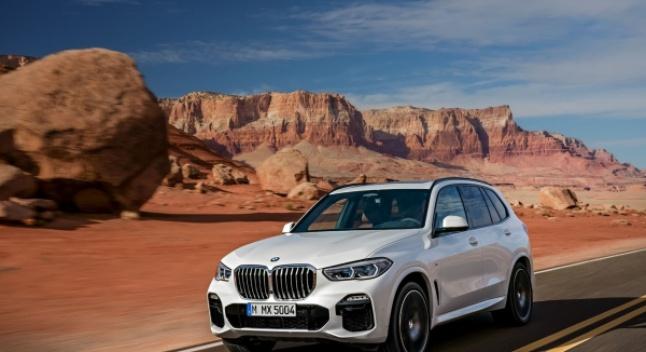BMW-მ პარიზში 2019 წლის X5 წარმოადგინა - უფრო დიდი და დახვეწილი