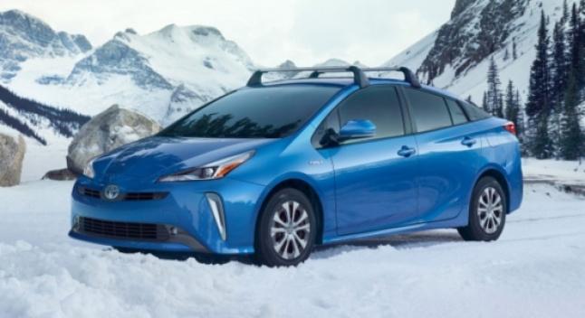2019 წლის Toyota Prius AWD-e - უმკლავდება თუ არა მოლიპულ გზას?