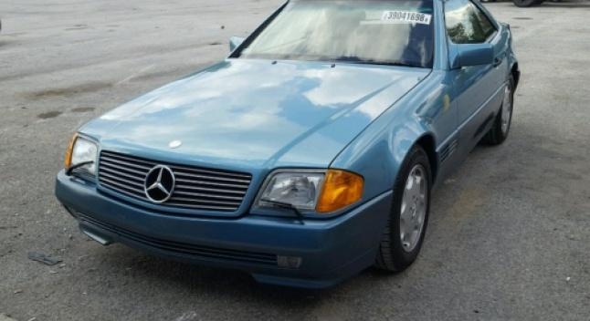 27 წლის წინ მაღაზიიდან მოპარული Mercedes SL 500 სულ რაღაც 1900 კმ გარბენით იპოვეს