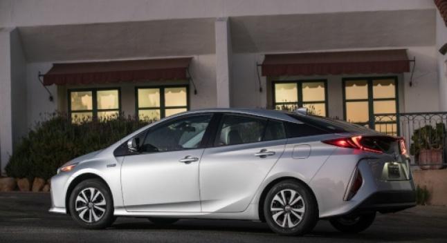 2020 წლის Toyota Prius Prime ზაფხულში გამოჩნდება და ხუთსავარძლიანი კონფიგურაცია ექნება